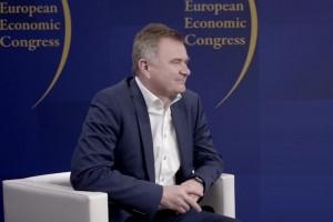 Pawiński: Inwestycje i automatyzacja remedium na zmiany na rynku pracy