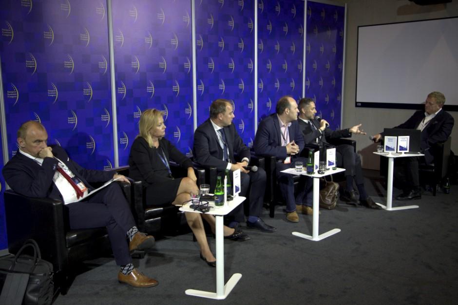 Paneliści debaty Handel w niedziele (fot. PTWP)