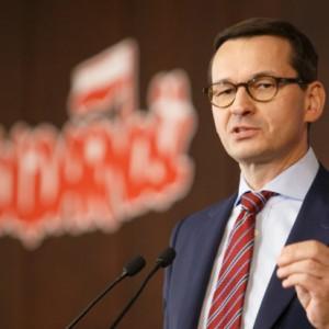 Premier uspokaja ws. fuzji Orlenu i Lotosu: nikt na Wybrzeżu nic nie straci