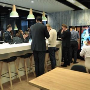 EY otwiera nowe biura i szuka pracowników