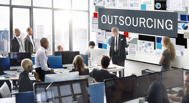 System prawno-podatkowy wyzwaniem dla firm. Stawiają na outsourcing