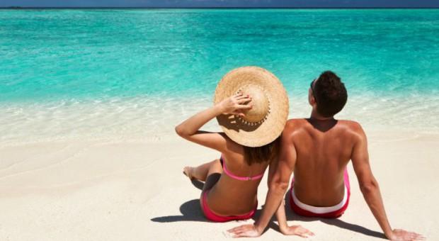 Pomysł na urlop? Co drugi Polak wybiera plażowanie