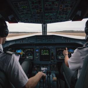 Piloci dostaną podwyżki. Ile będą zarabiać?