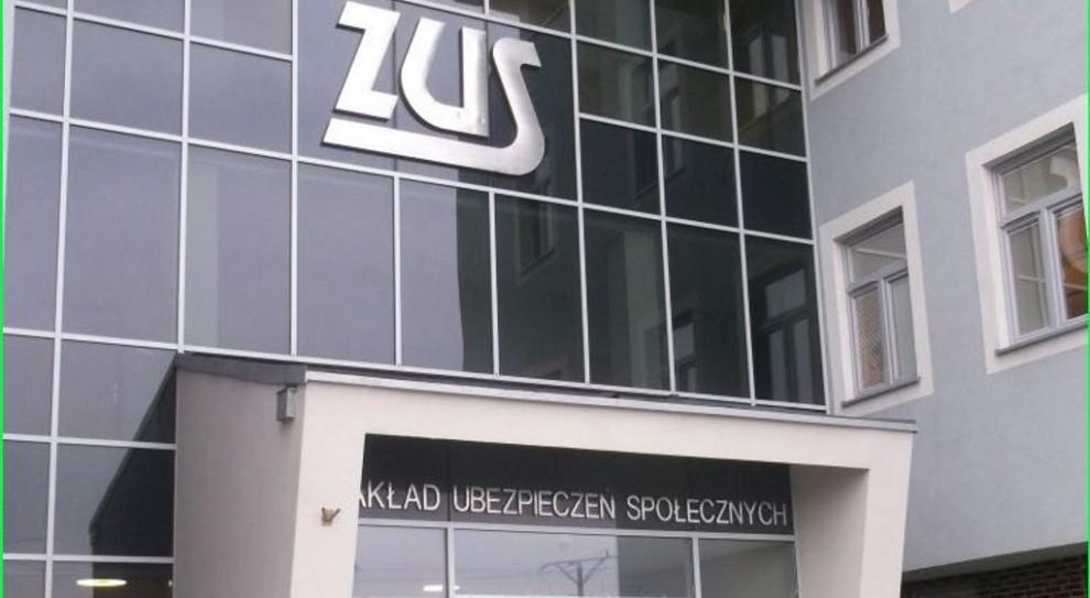 ZUS: dwa związki zawodowe wycofały się ze sporu zbiorowego