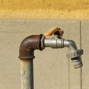 Korupcja przy rozbiórce miejskiego wodociągu