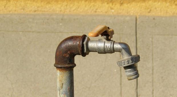 Śląskie: Korupcja przy rozbiórce miejskiego wodociągu
