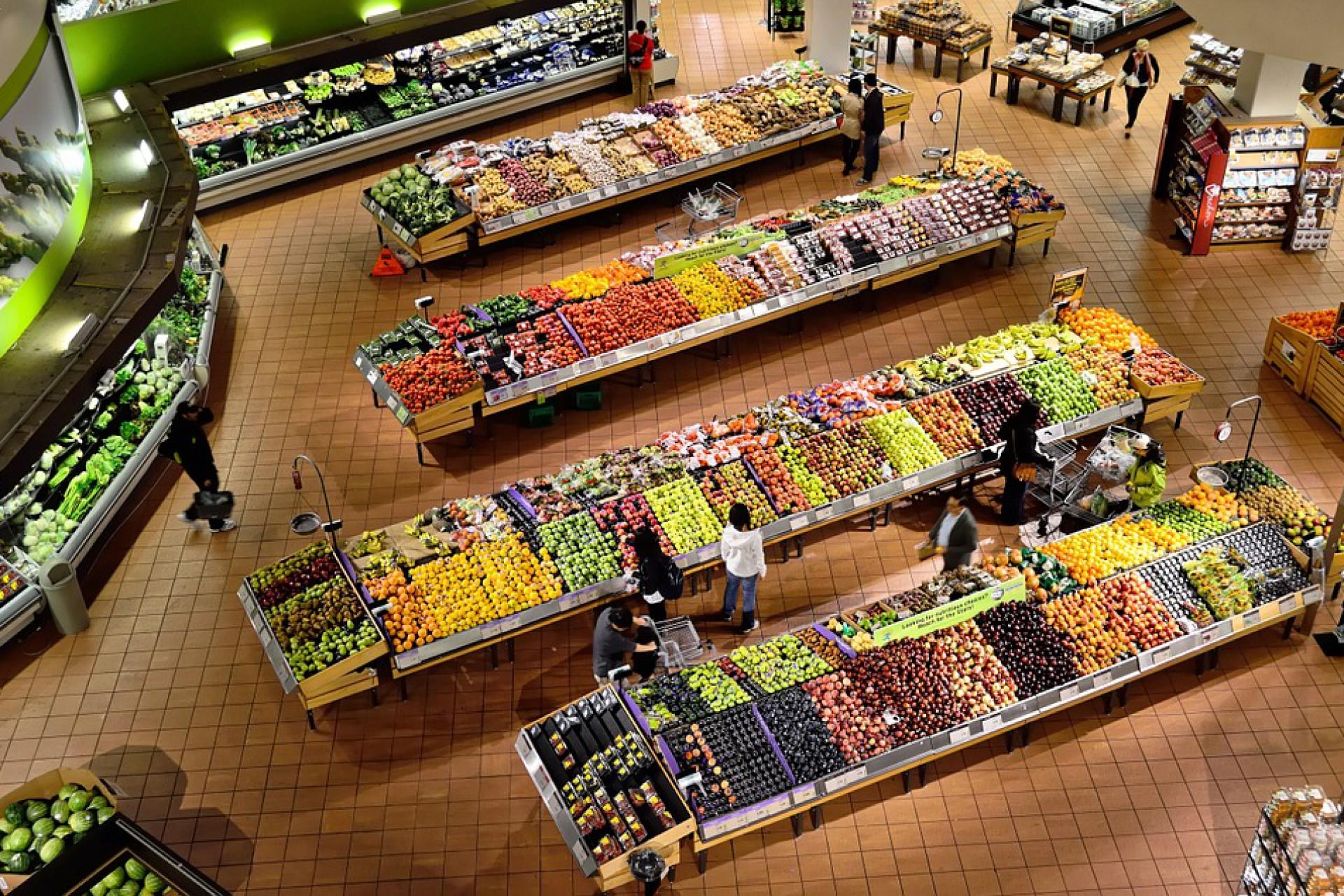 Ukraińcy pracujący w Polsce na zakupach. Ile wydają i co kupują?