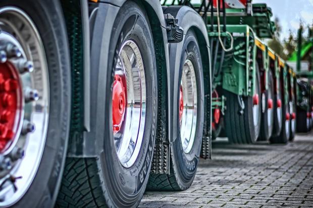 Strajk kierowców paraliżuje gospodarkę