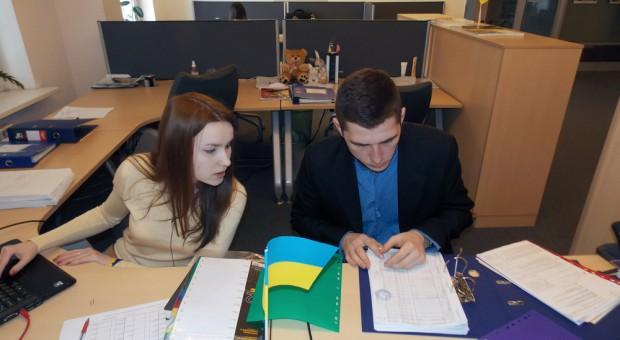 22 proc. pracowników z Ukrainy chce się przeprowadzić do Polski