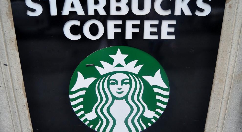 """Pracownicy Starbucks przeszli """"antyrasistowskie szkolenie"""""""