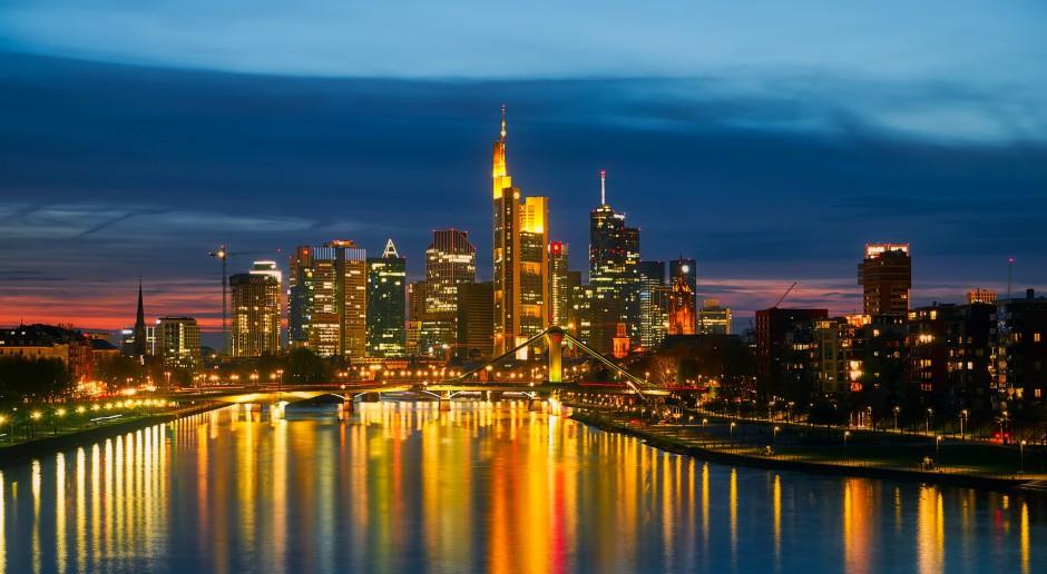 Nocny widok na Frankfurt nad Menem, źródło: pixabay.com