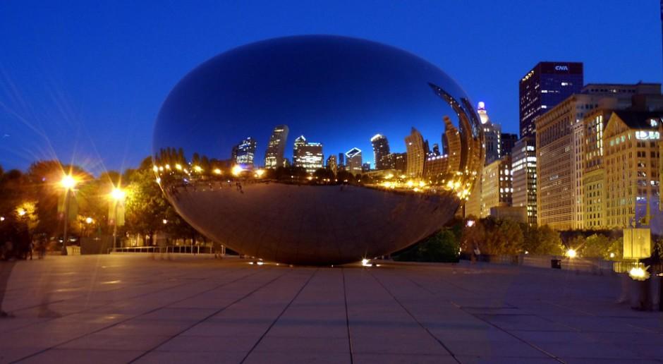 Instalacja odbijająca panoramę Chicago, źródło: pixabay.com