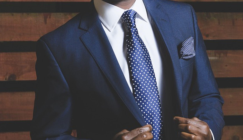 Business formal dress code to najbardziej elegancka forma biznesowego stroju, zarezerwowana dla przedstawicieli najwyższych stanowisk. (Fot. Pixabay)