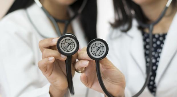 Resort zdrowia chce doprecyzować sprawę realizacji papierowych recept