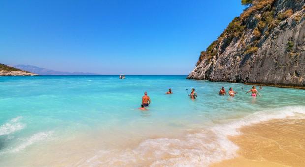 Wakacje: Nowe przepisy będą lepiej chronić turystów na urlopie