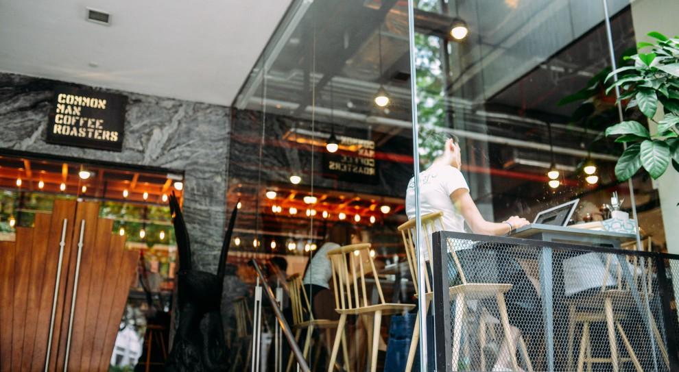 Długi przedsiębiorców: Restauratorzy, producenci piwa, napojów i lodów zadłużeni na setki milionów złotych