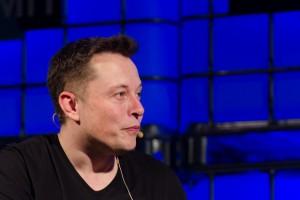 Elon Musk pozostaje na stanowisku prezesa Tesli