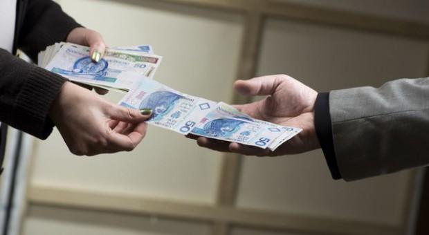 Pracodawca oszukiwał niepełnosprawnych i wyłudził z PFRON 135 tys. zł