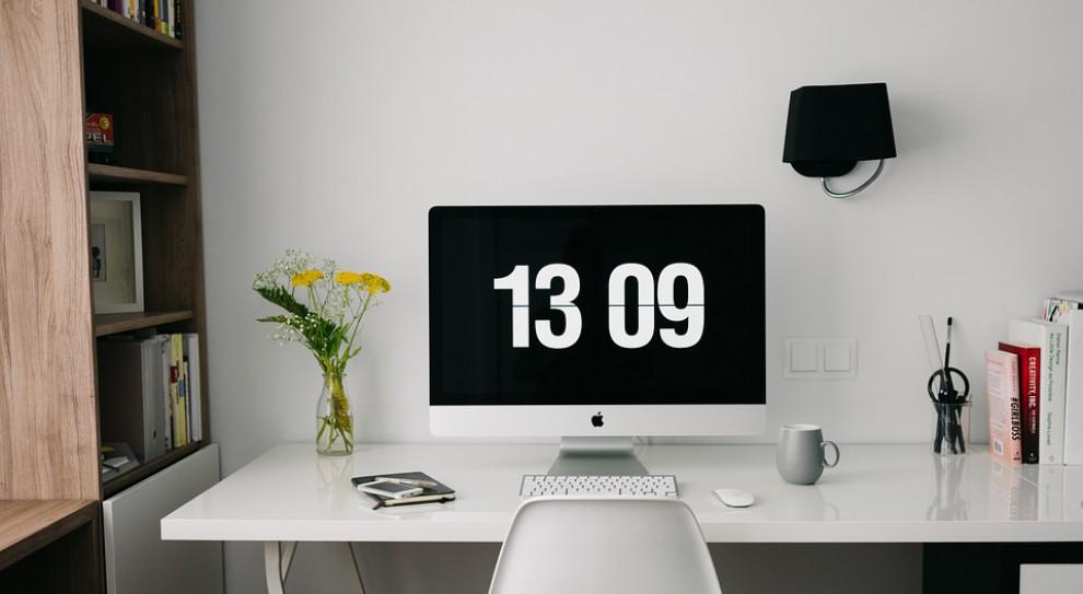 Pracujesz zdalnie? Oto rady jak zagospodarować domowe biuro