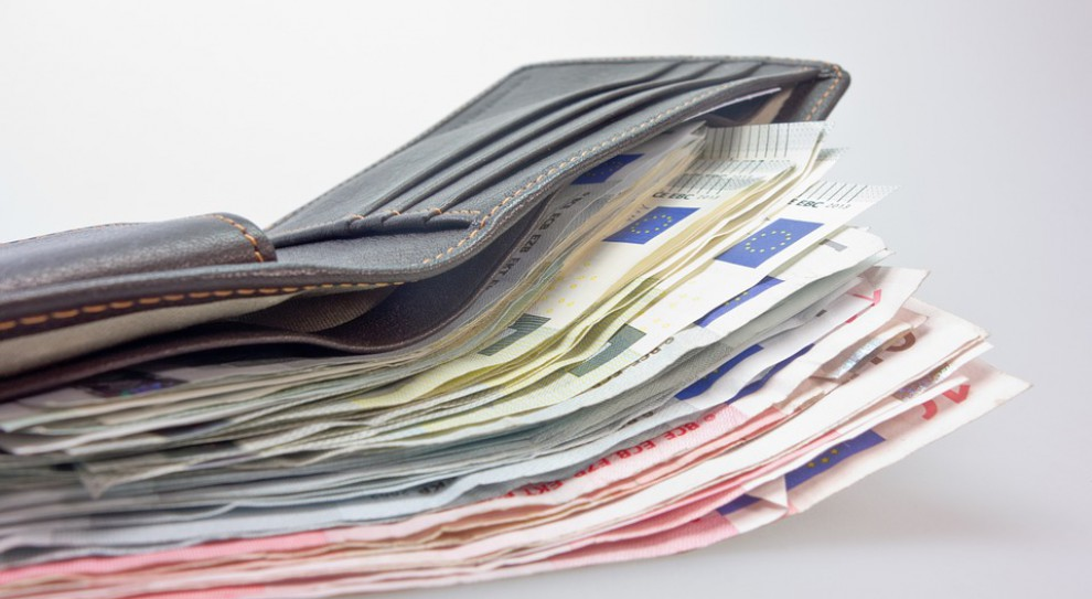 Płaca minimalna 2250 zł? Ministerstwo Finansów nie zgadza się na propozycję