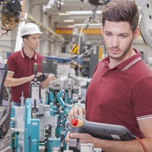 Będą zatrudniać w sektorze produkcji przemysłowej. Tak dobrze nie było od 10 lat