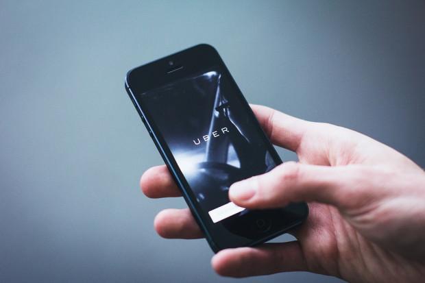 Uber więcej zapłaci kierowcom samochodów elektrycznych