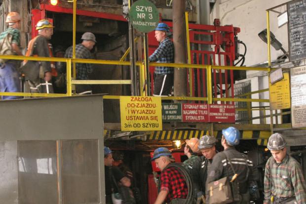 Sprzęt w kopalniach jest, lecz w weekendy nie pracuje. Czy nowe układy zbiorowe to zmienią?