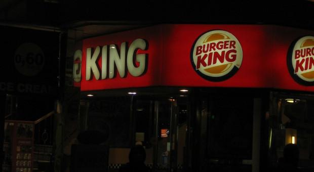 """Prowokacja czy źle zaplanowana promocja? """"Zamiast o kobietach cały świat mówi o Burger Kingu"""""""