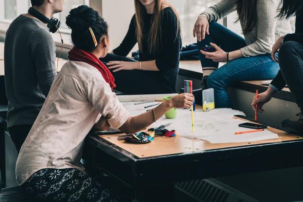 Wykształcenie czy doświadczenie? Oto co ważniejsze dla pracodawców