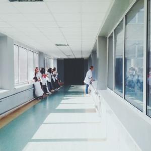 Ponad 100 pielęgniarek odejdzie na emerytury. Szpital stoi przed poważnym problemem