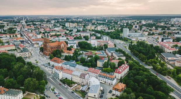 Brak specjalistów wymusza zaskakujące decyzje. Firmy przychylniej patrzą na wschodnią Polskę