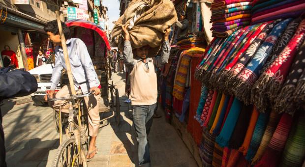 Pracowity jak Azjata. Lawinowo rośnie liczba zezwoleń na pracę dla hindusów