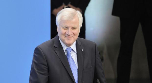 Niemcy: Horst Seehofer rezygnuje z funkcji szefa MSW i lidera CSU