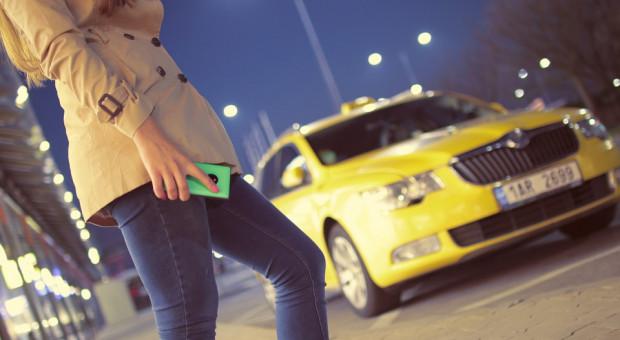 Uber wraca do Finlandii. Po zmianie prawa taksówkarzem może tu zostać każdy