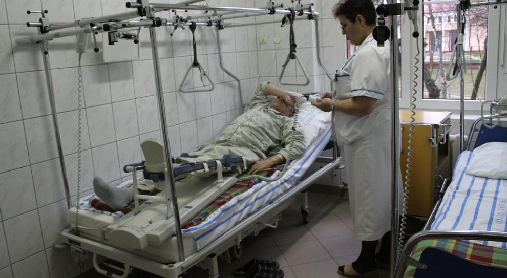 Przepracowane, zestresowane pielęgniarki. Problemu zwolnień nie da się szybo rozwiązać?