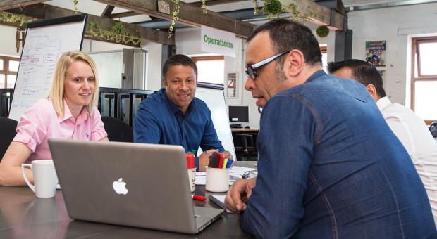 Na Bulwarach Wiślanych rusza zewnętrzna strefa coworkingowa Business Link