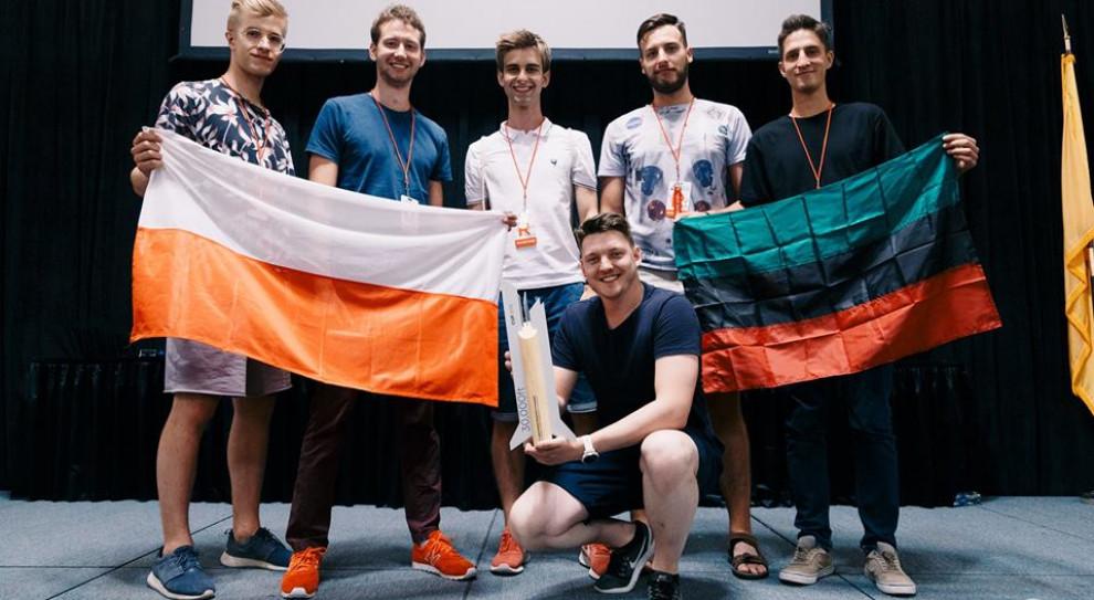 Studenci z AGH z rakietą Turbulencja zdobyli drugie miejsce w konkursie w USA