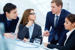 Awans wewnętrzny pułapką? Zarządzanie kolegami to prawdziwe wyzwanie
