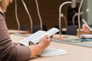 Resort nauki rozpoczął już konsultacje niektórych projektów rozporządzeń do Ustawy 2.0