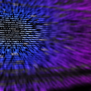 Firmy padają ofiarą cyberataków. Zarządy inwestują w działy bezpieczeństwa