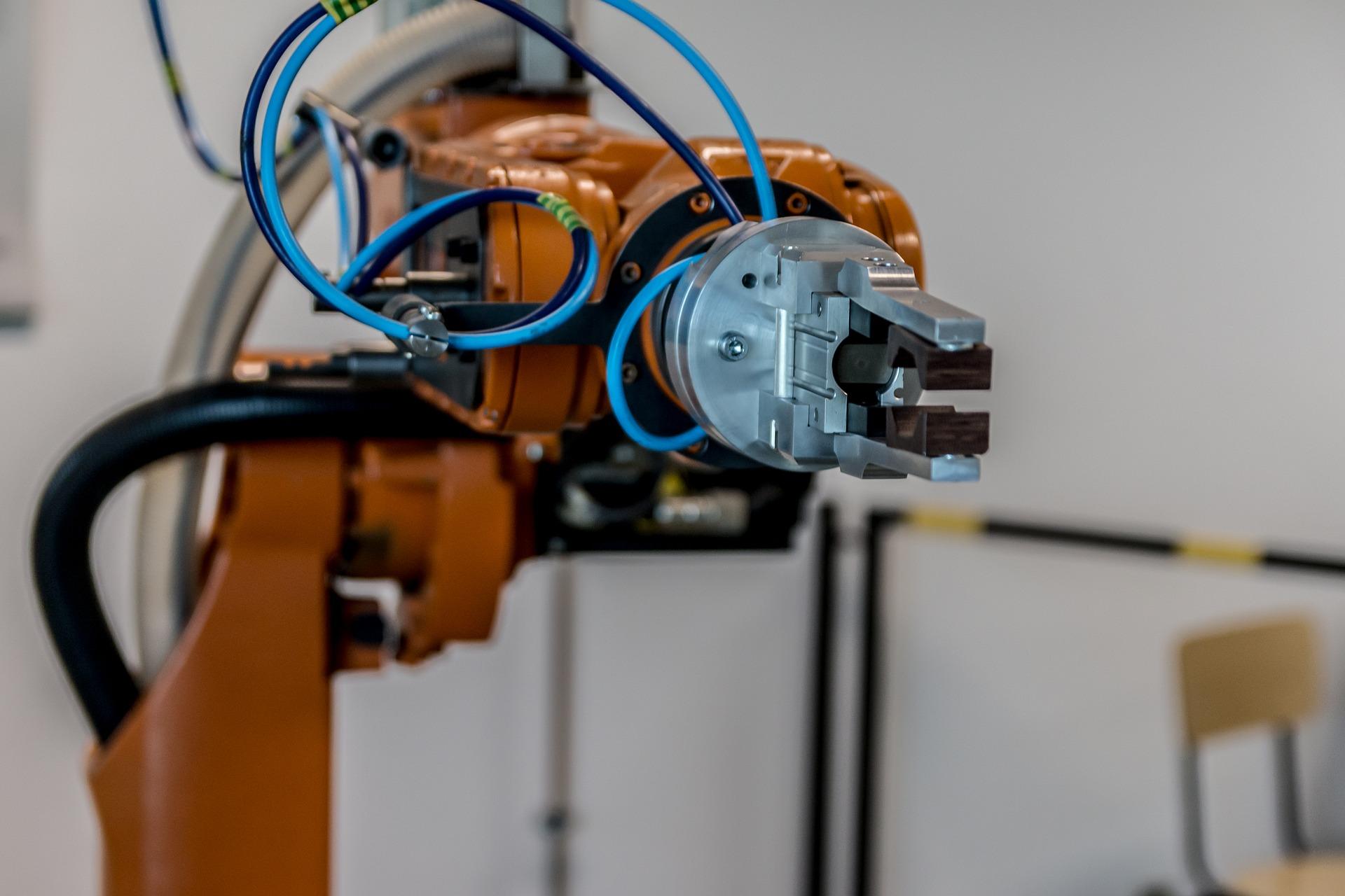 W ciągu najbliższych 10 lat automatyzacja wystąpi na szeroką skalę, a jej stopień będzie zależny od sektora gospodarki i typu działalności - mówi prezes Arthur Hunt (fot.pixabay.com)