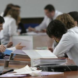 Paradoks wydziałów lekarskich? Im mniej kandydatów na jedno miejsce, tym lepsza uczelnia?