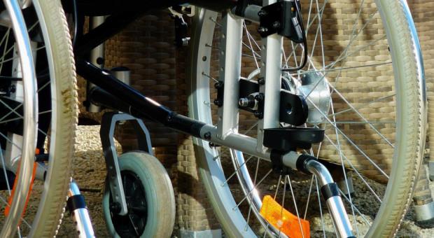 NIK: Pomoc w zatrudnianiu niepełnosprawnych pracowników to często fikcja
