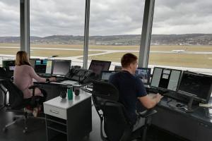 Potrzeba nowych kontrolerów lotów. Wymagania? Jest ich sporo