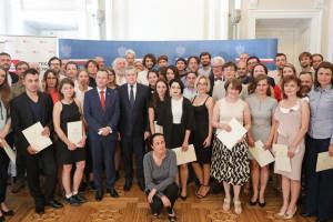 """51 stypendystów programu """"Gaude Polonia"""" odebrało dyplomy"""