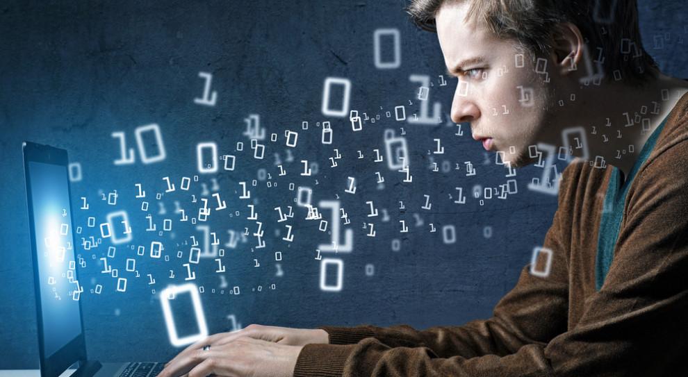 Informatyk wciąż pilnie potrzebny. Wybór zawodu to inwestycja w przyszłość