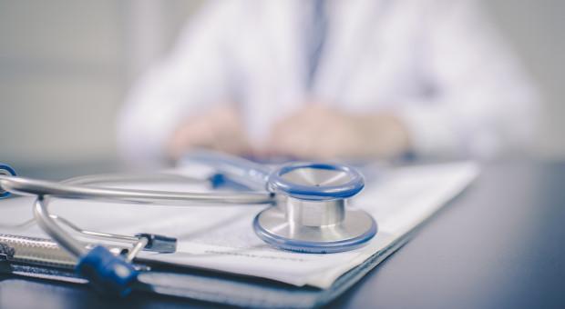 OZZL: Dyrektorzy szpitali nie chcą płacić lekarzom podwyżek