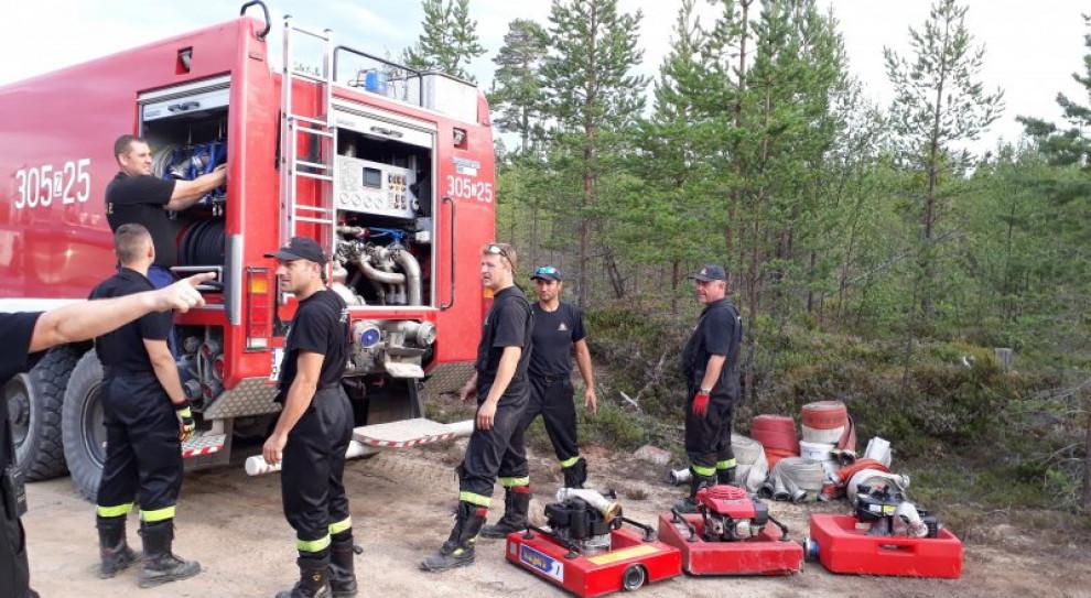 Polscy strażacy w Szwecji: sytuacja się pogorszyła