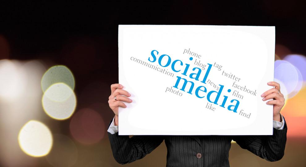 Technologie w poszukiwaniu pracy: reklamy w social media bezkonkurencyjne
