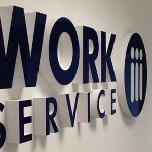 Work Service idzie na układ z bankami